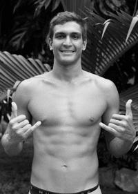 Tikanui Smith, Surfeur de Grosses Vague Tahitien